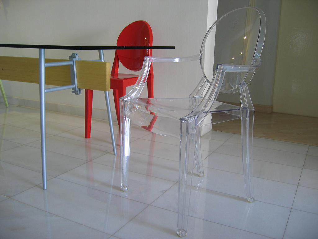 Table_&_Chairs_by_Philippe_Starck